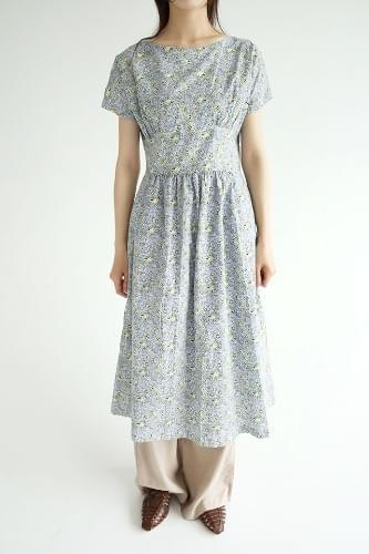 faminine mood floral dress