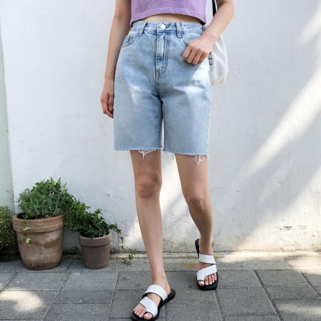 tomboy 4-length shorts