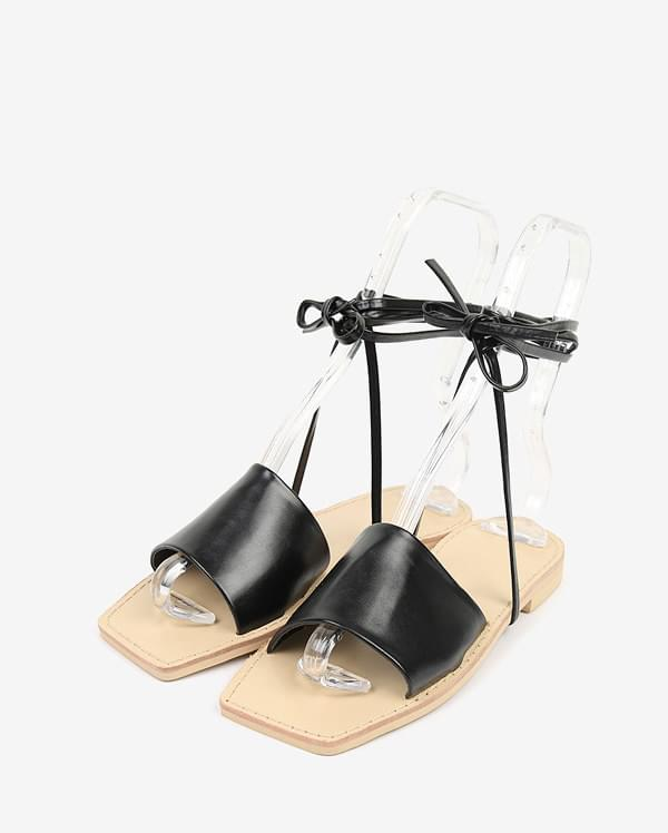 as well strap sandal