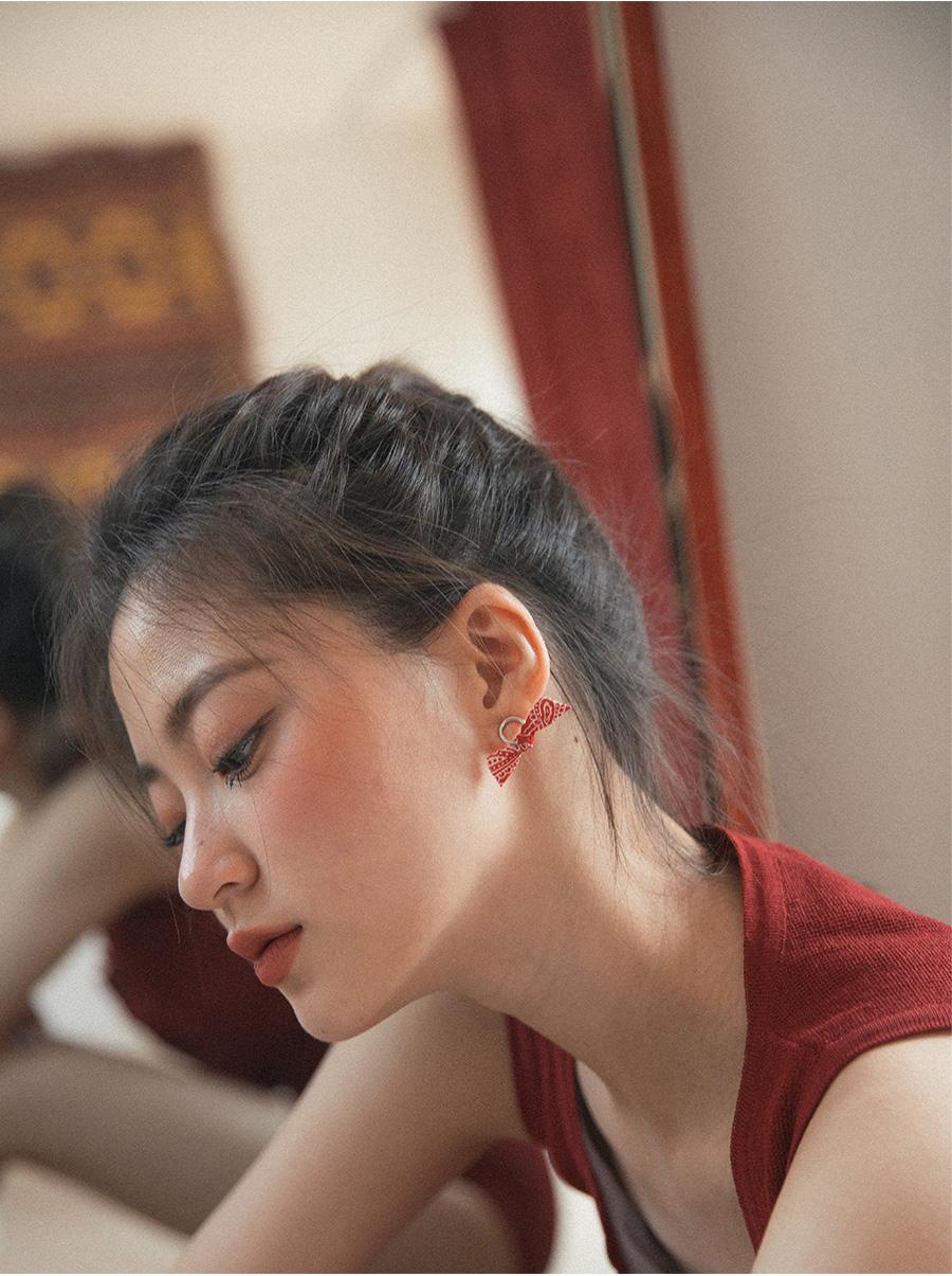 paisley ribbon earring