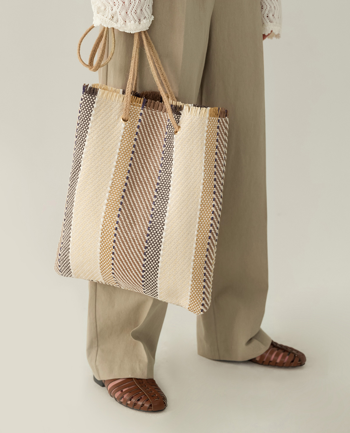 coloration rattan bag