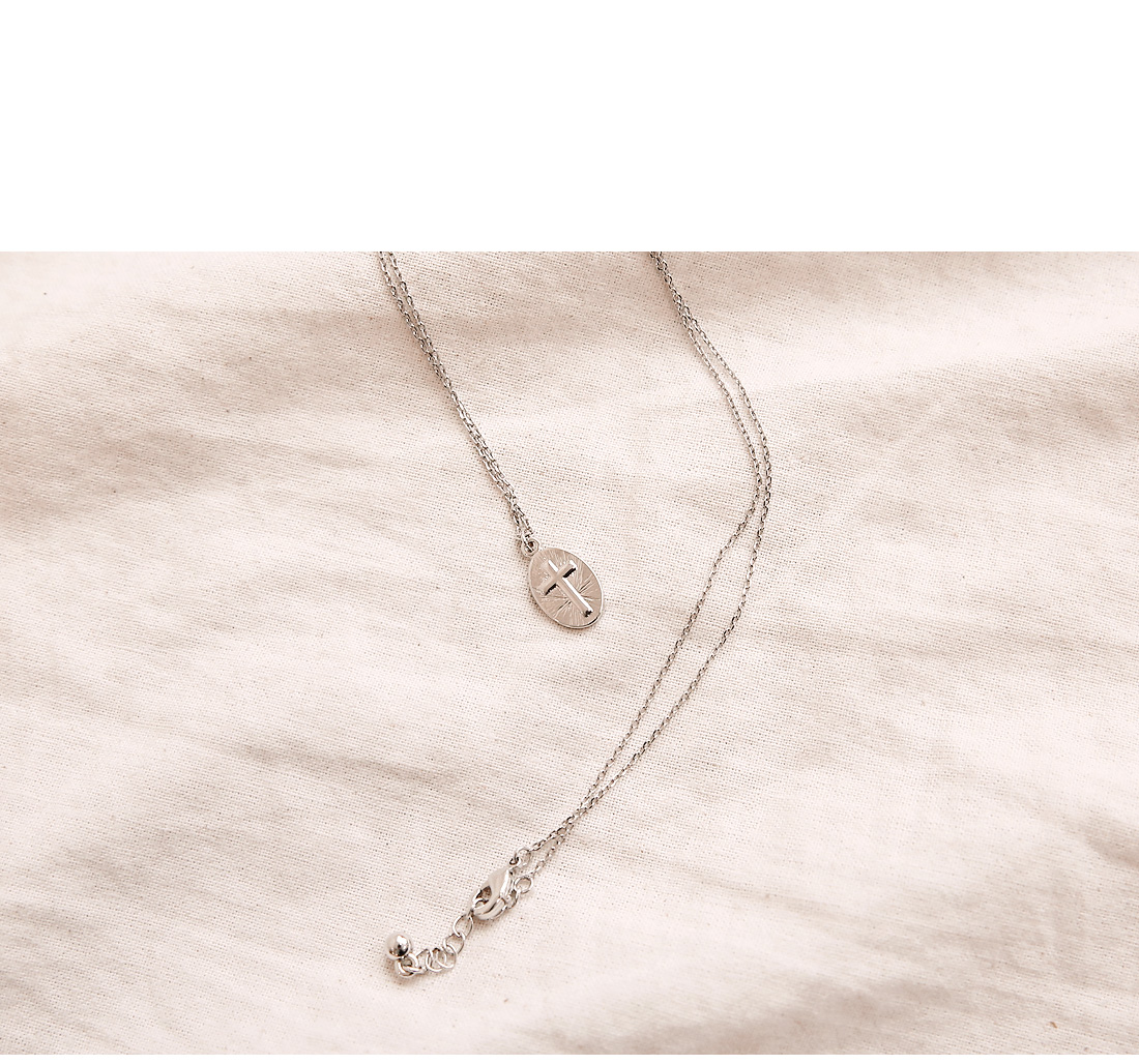 OLLI CROSS SILVER NECKLACE