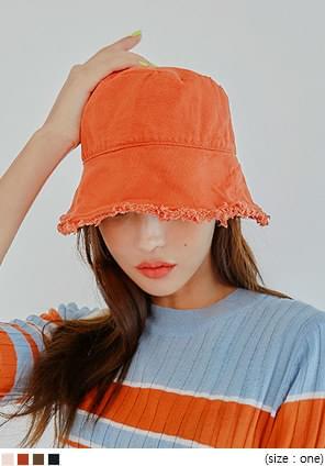 MULLET FRINGE POINT BUCKET HAT
