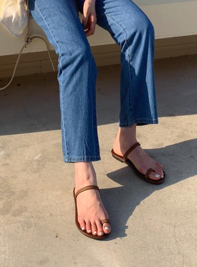 Twist strap shoes