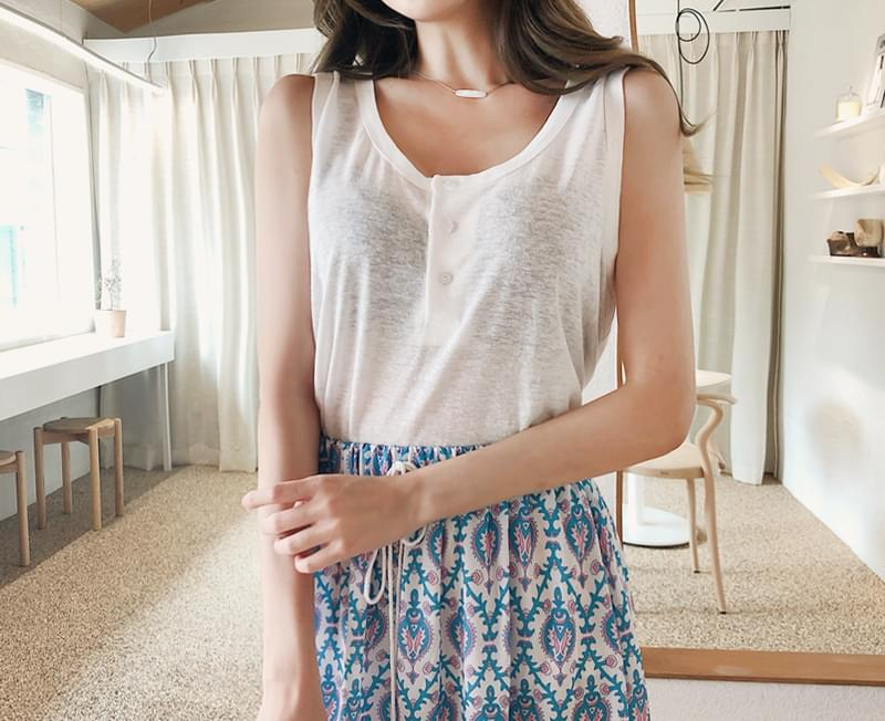 Button loose pit tee