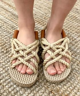 Rope-knot sandals