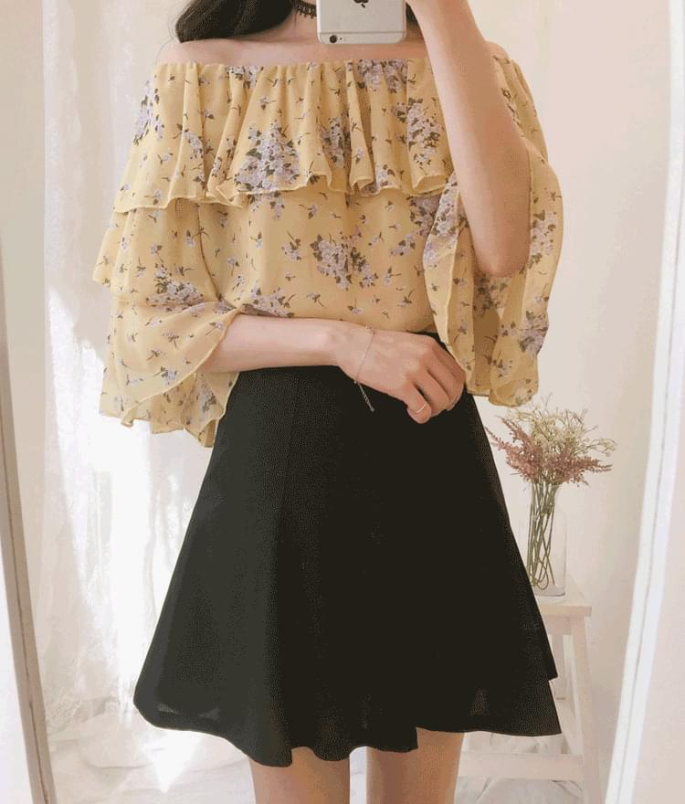Blossom off blouse