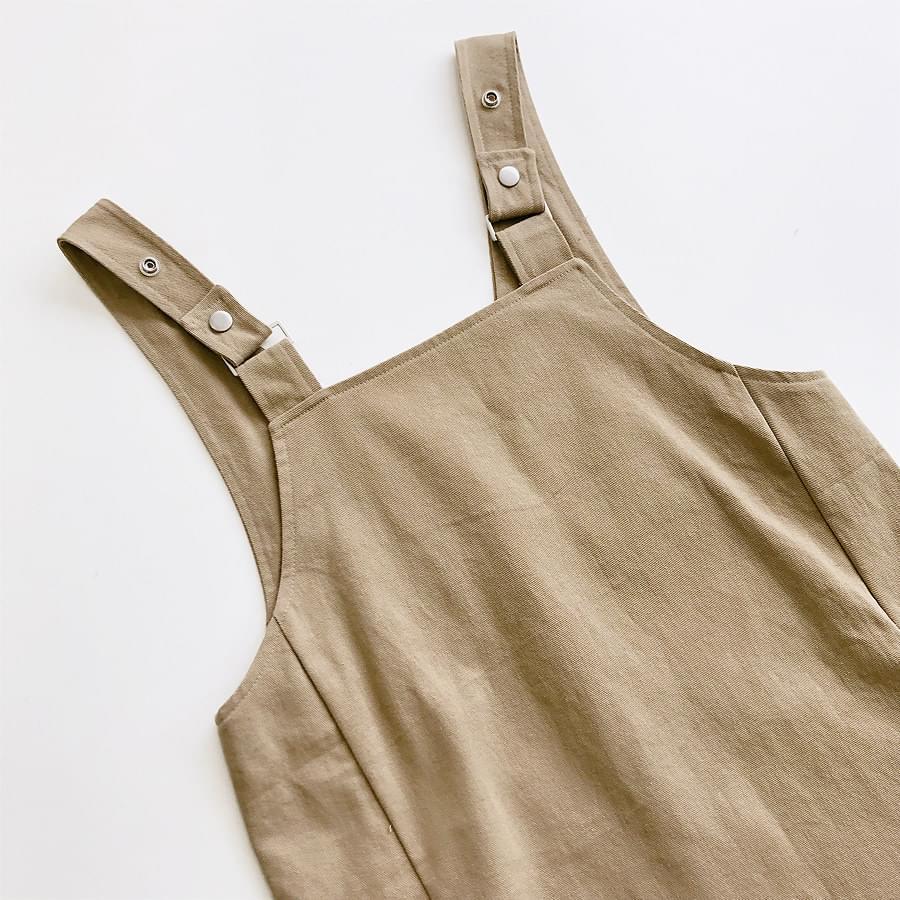 Pocket suspenders dress