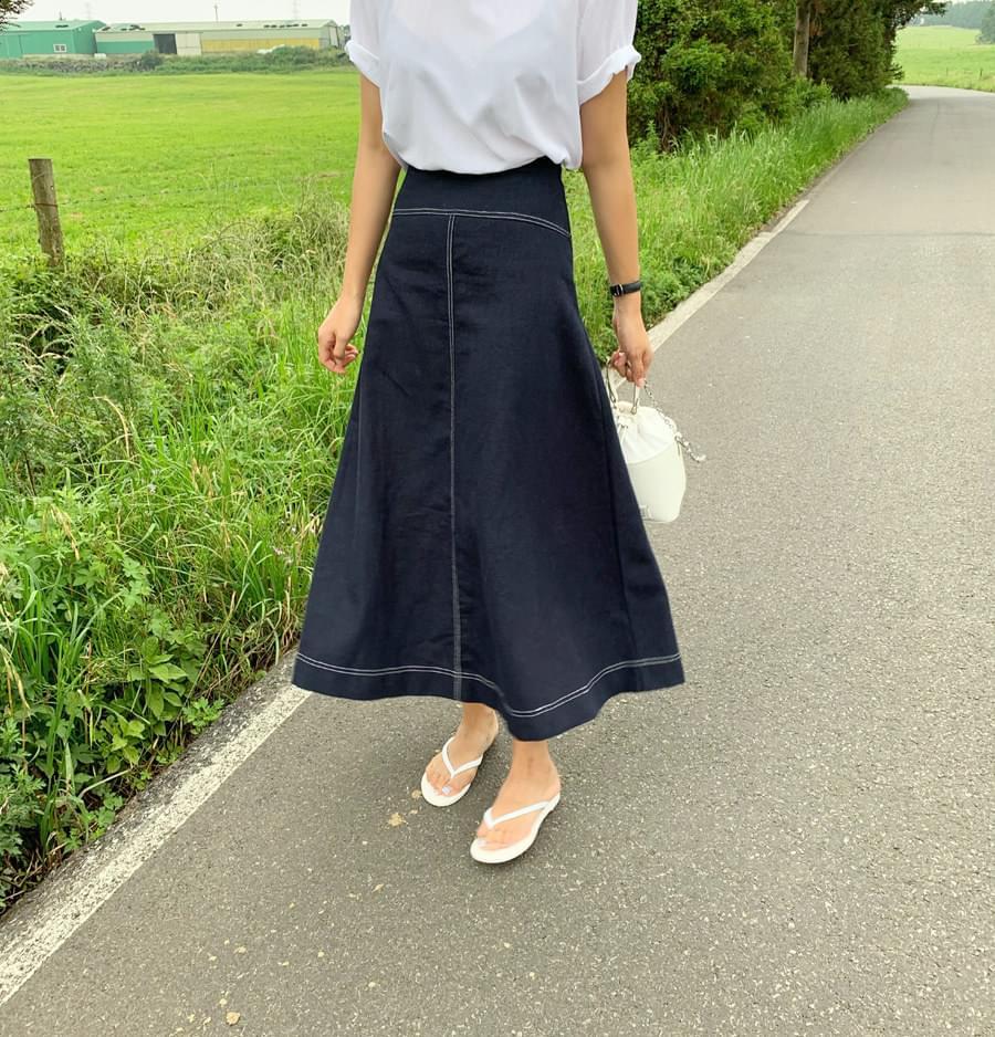 Stitch flared skirt