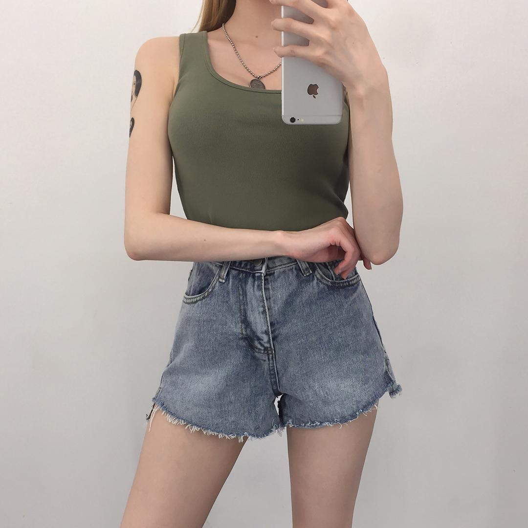Side button cut pants