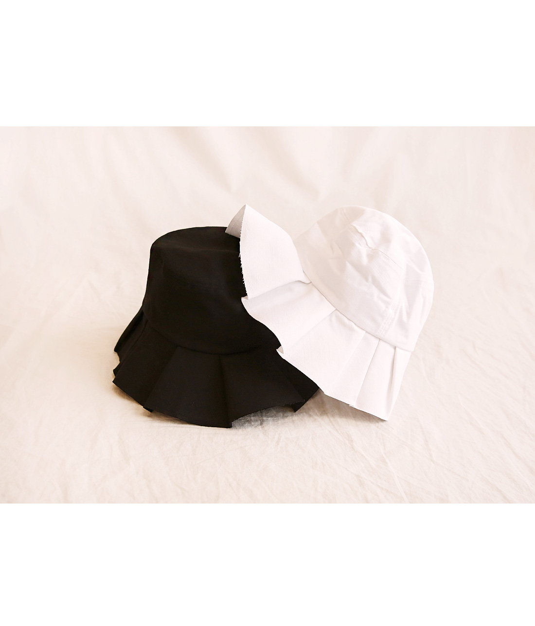 RANNING FRILL POINT BUCKET HAT