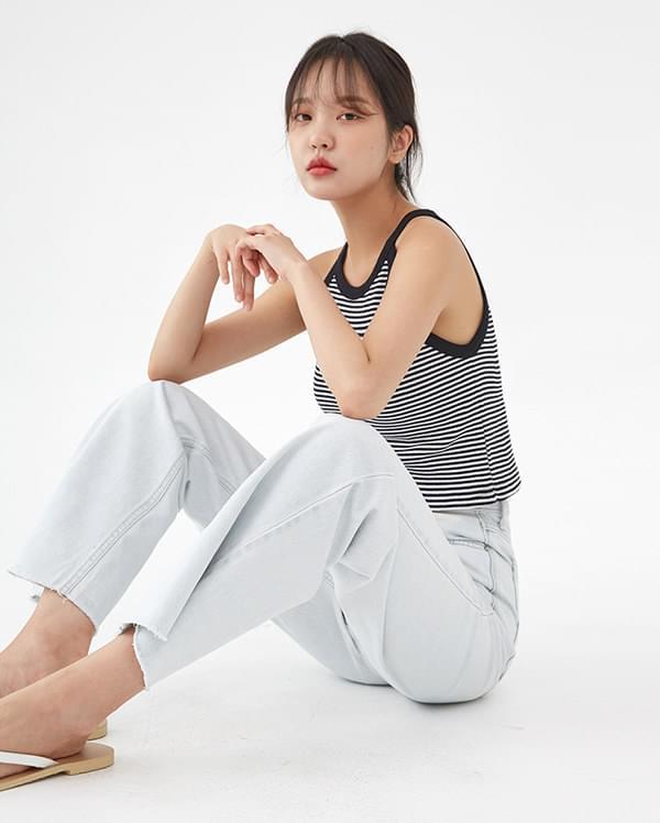 a crop stripes sleeveless