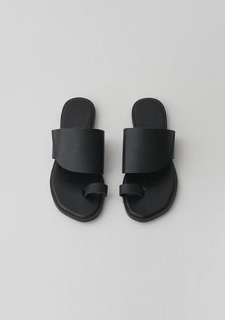 curve line slipper