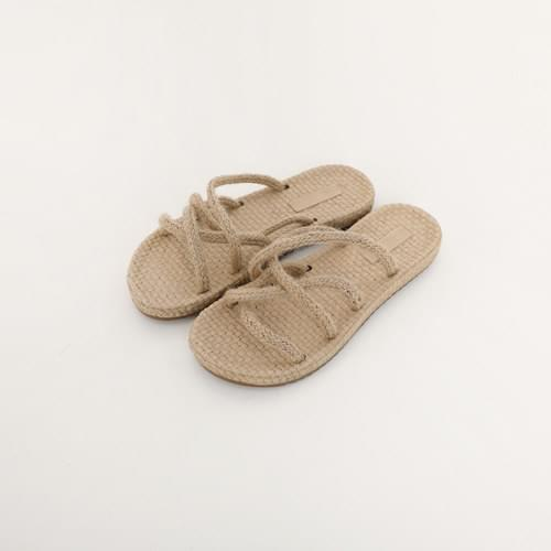 Net Rattan Slippers