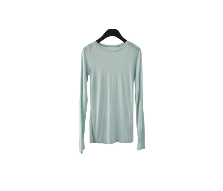 U-neck slim fit tee