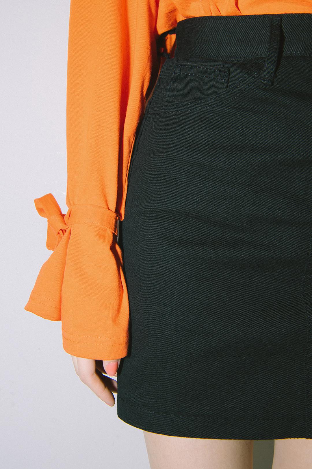 Sleeve Ribbon T-shirt