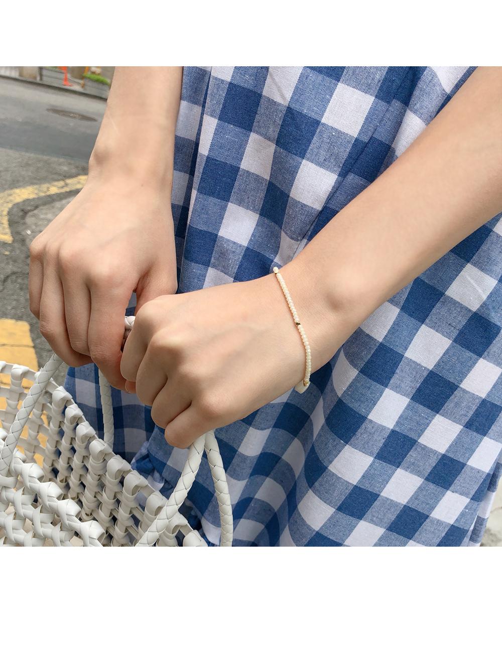 Cream Bead Bending Bracelet