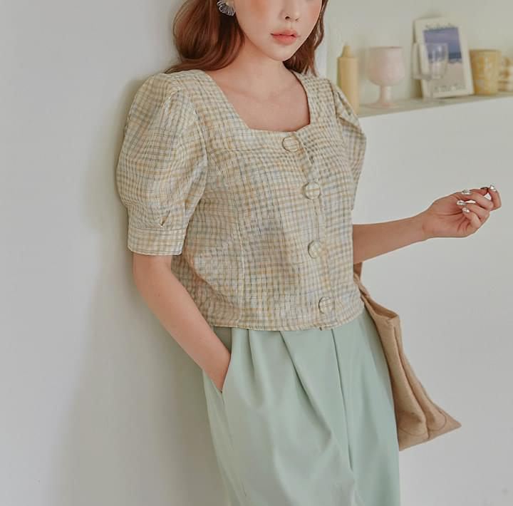 RILEY CHECK PUFF CROP 1/2 BLOUSE
