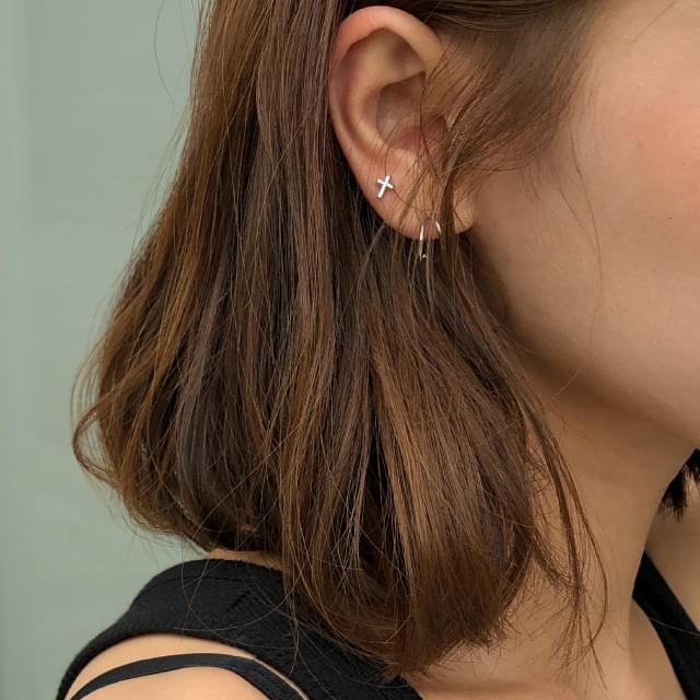 8 figure earring set