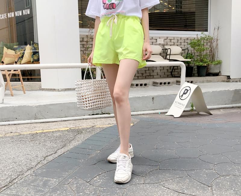 Fluorescent point pants