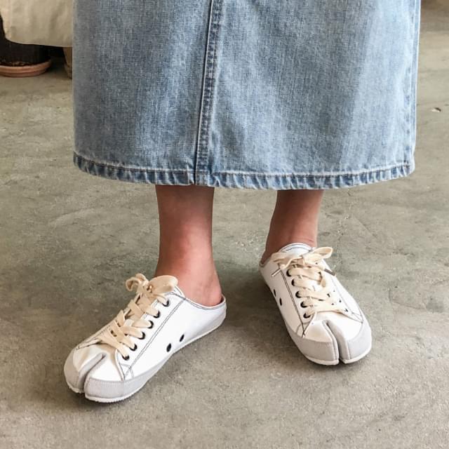 tabi sneakers mule