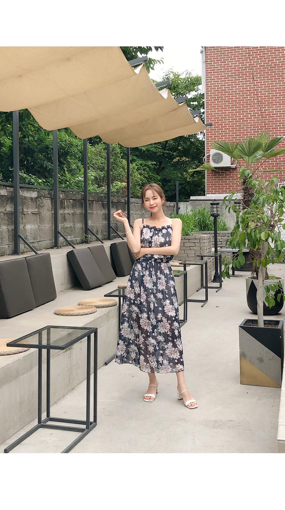 Cul-De-Pawpole Flower Dress