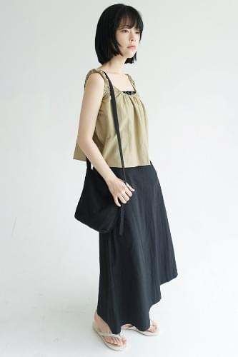 matt texture crispy skirts (black)