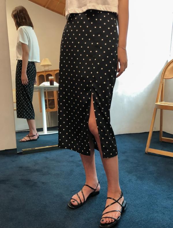 slit detail dot skirt