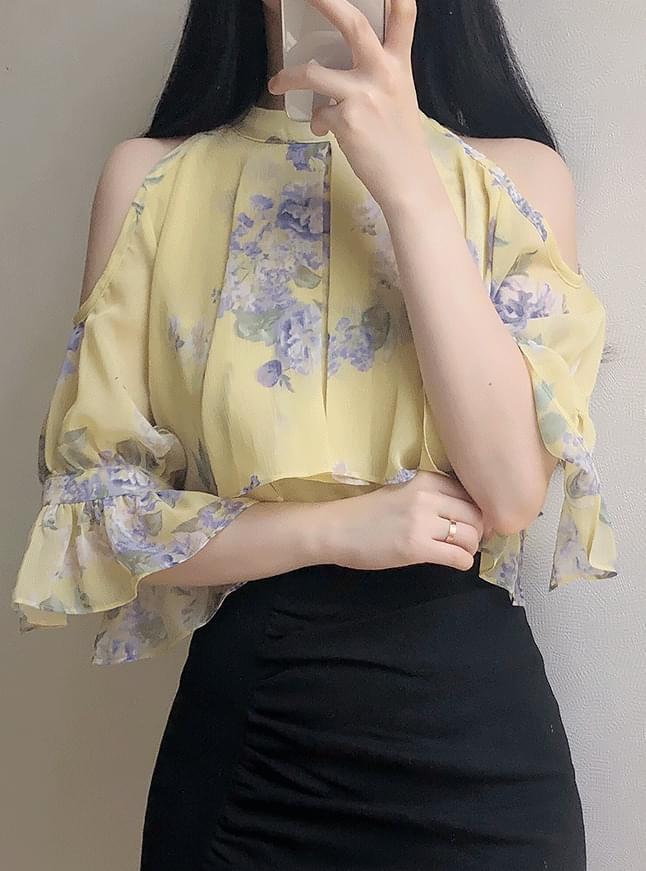 Sombride Shoulder Flower Blouse