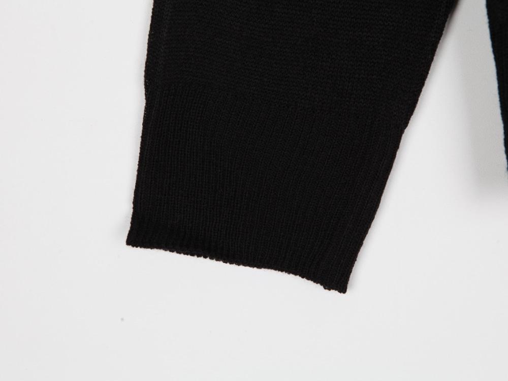 V long-sleeved cardigan