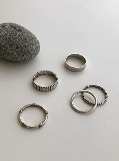 Vintage silver set ring