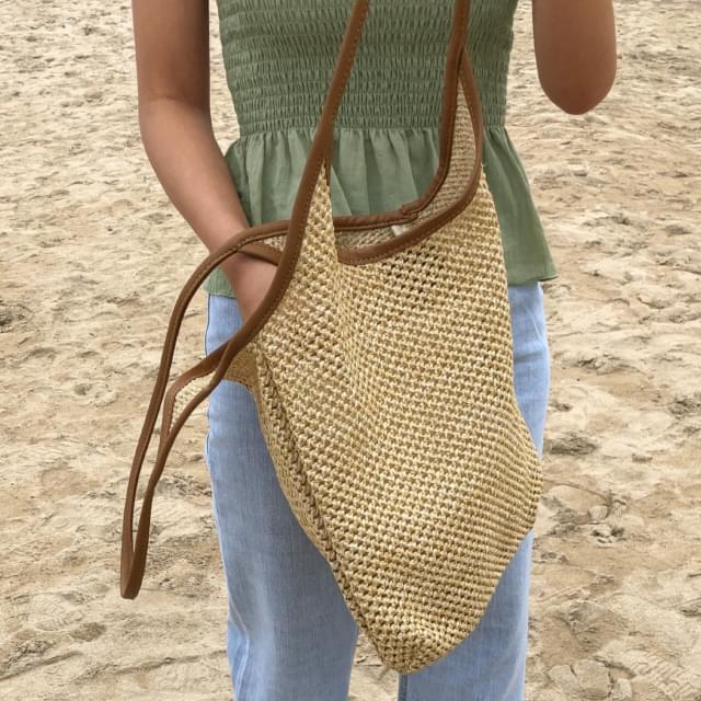 cozy rattan shoulder bag