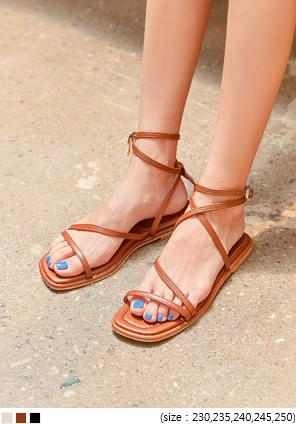 COLLING BUCKLE STRAP SANDAL