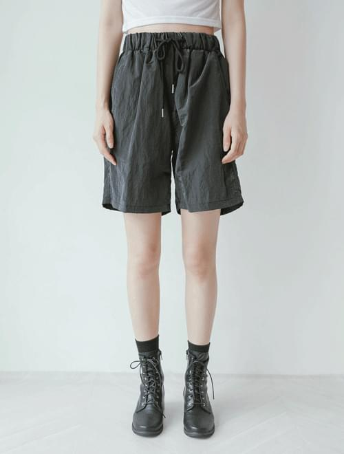 Nylon metal short pants