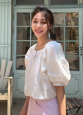 Square neck puff blouse