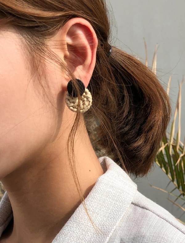 circle shape rattan earring