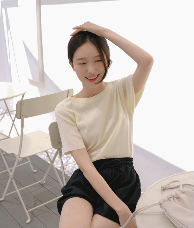 Knit short-sleeved boat neck