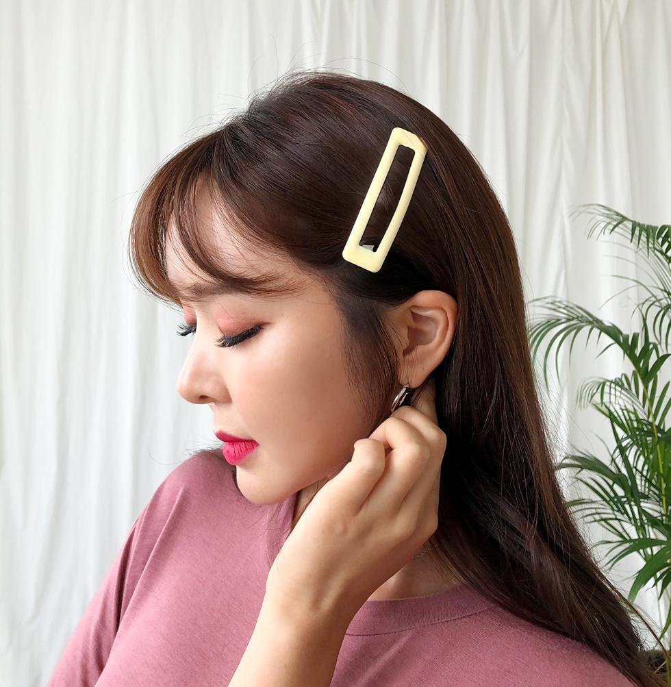 Cream Butter Hairpin