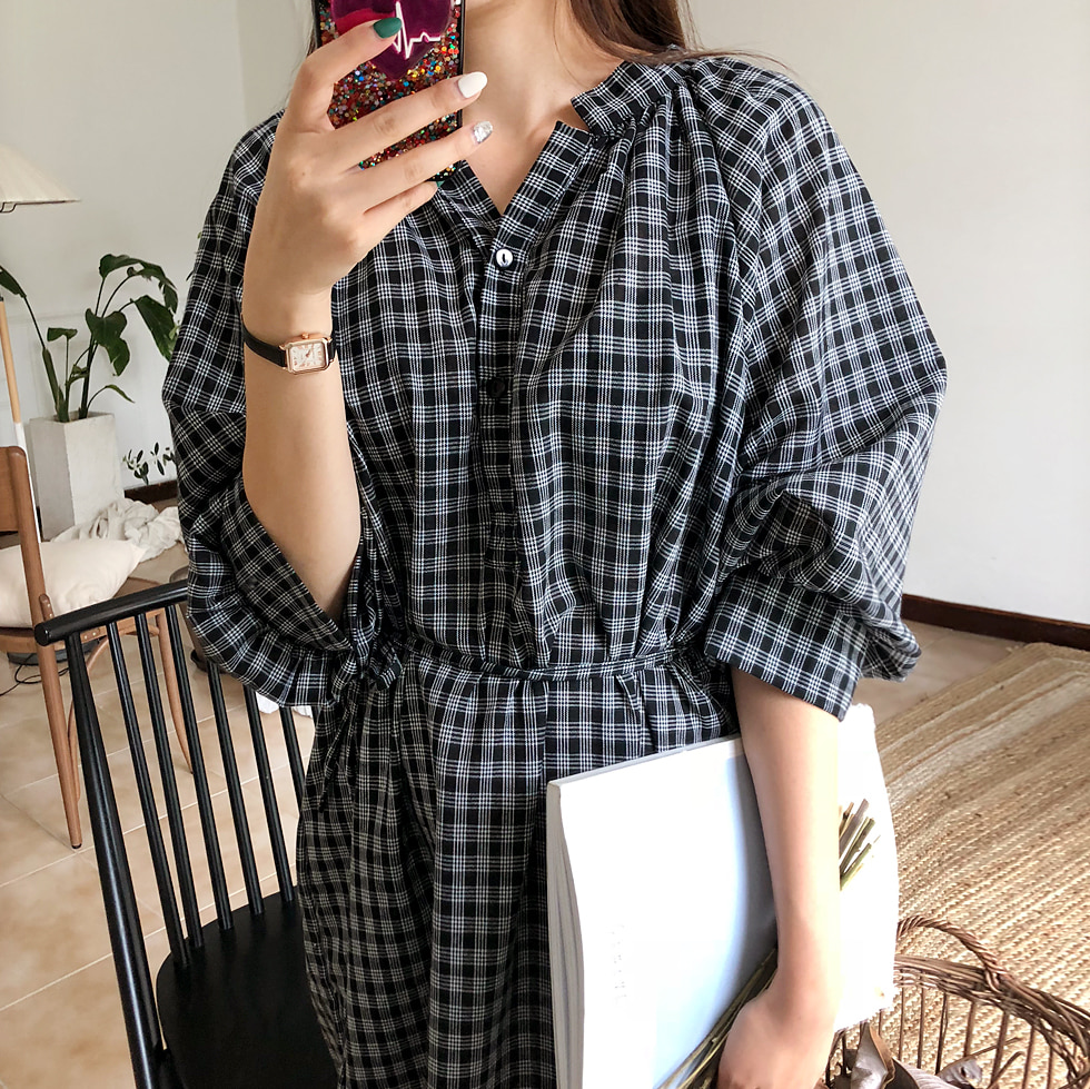 Loose-fit check dress