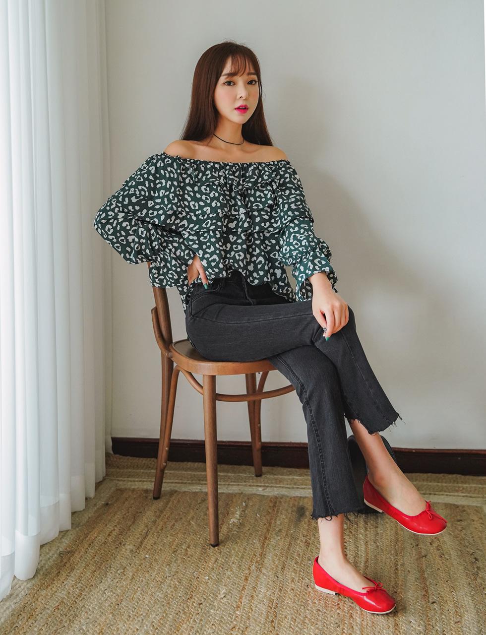 Ruffled printing blouse