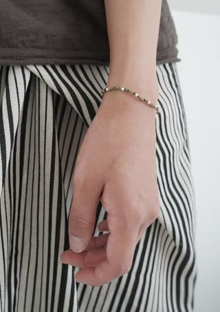 luster gemstone bracelet