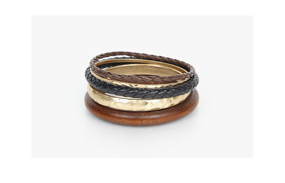 useful bangle set