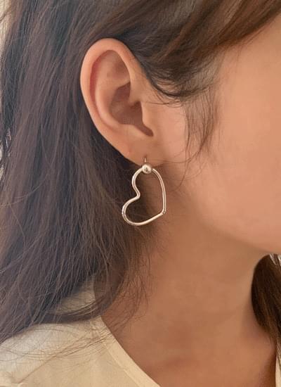Mizuka Heart Earrings