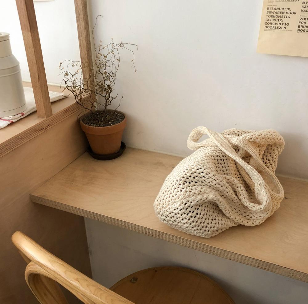 easy knit shoulder bag