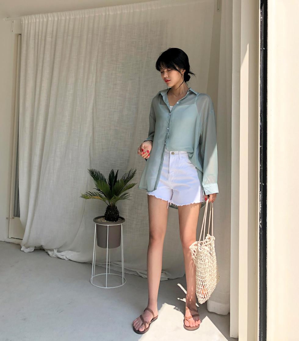 White high-short pants