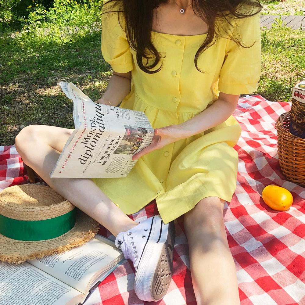 Yellow puff dress