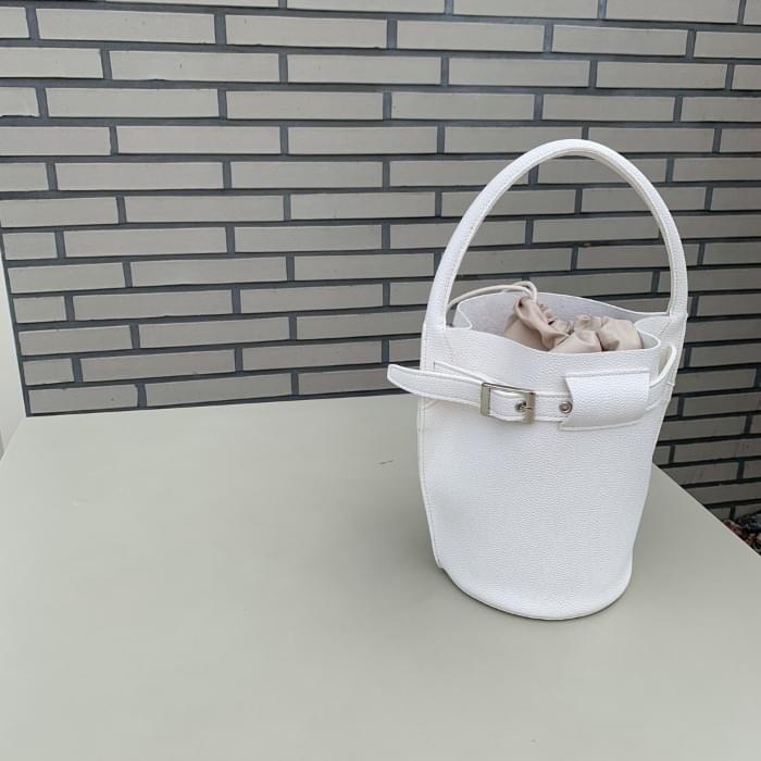 Simple buckle buckle bag