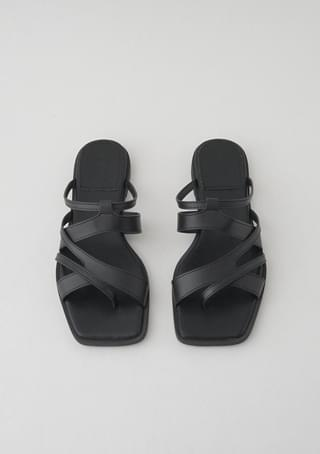 strap layered slippers