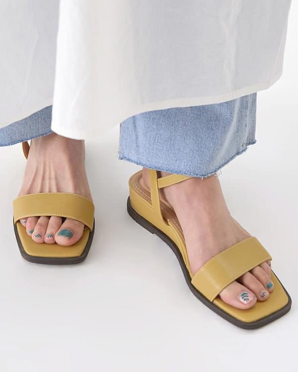 a bella square sandal