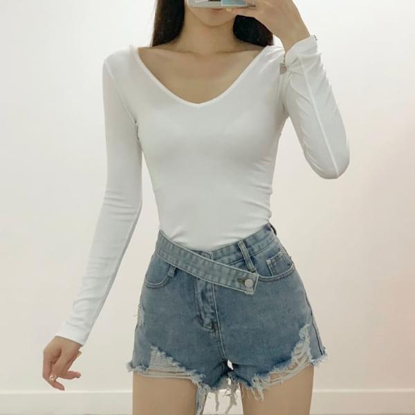 Giselle Slim V-neck Long Sleeve Tee